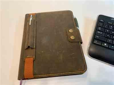 S. verified customer review of Moleskine, Leuchtturm, A5 Leather Pen Sleeve