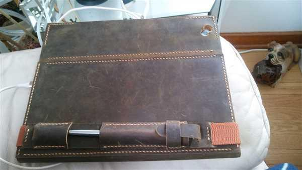 vivian fenton verified customer review of Handmade Leather iPad Portfolio Stand Organizer Cover With Apple Pen Sleeve