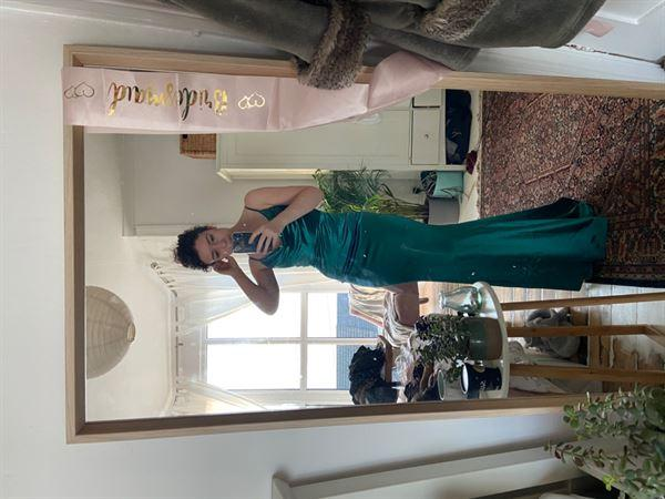 Bryony H. verified customer review of Glamour Girl Gown Green