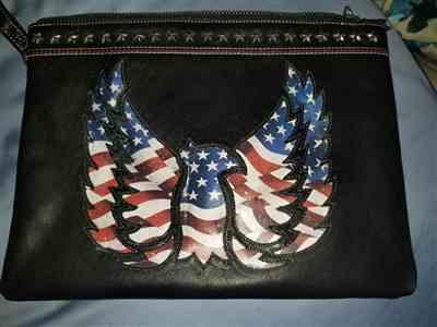 Amanda S. verified customer review of Old Glory Wristlet