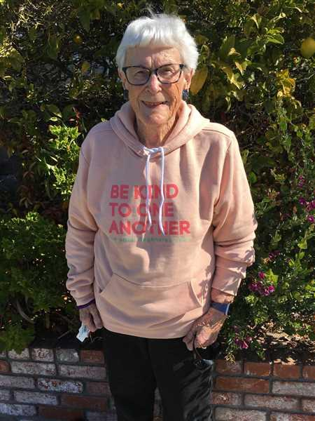 Sharon Kelly verified customer review of Be Kind Hoodie - Peach