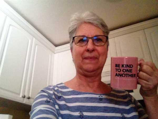 Donna McKenny verified customer review of Be Kind Blush Mug