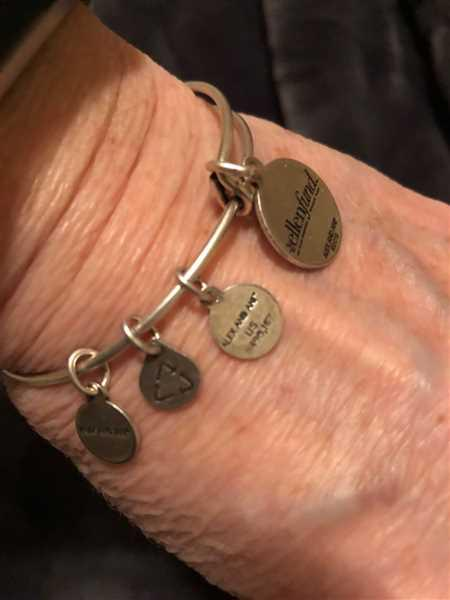 Jayne Singer verified customer review of The Ellen Fund Gorilla Charm Bangle