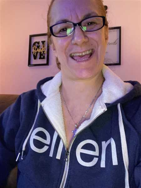 Judith Quintero verified customer review of The Ellen Show Sherpa Hoodie