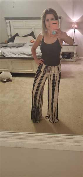 Nicole Ferrat verified customer review of Hear The Music Tie Dye Palazzo Pants - Black/White