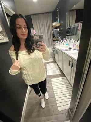 Nina Perry verified customer review of CBRAND Find Your Way Sweater - Cream
