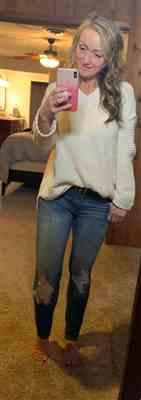 Tallia Schmidt verified customer review of Missing You Today Sweater - Cream