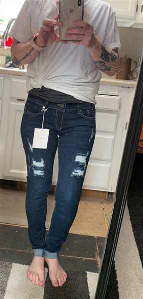 Closet Candy Boutique KAN CAN Distressed Cuffed Jeans - Morgan Wash Review