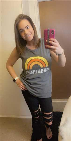 Sara Holmes verified customer review of Good Vibes Graphic Tank - Charcoal