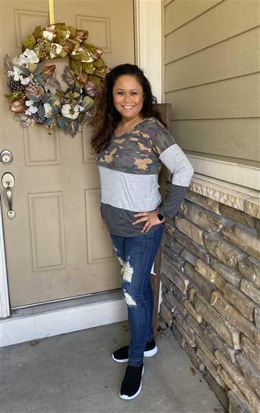 Dianna Williams verified customer review of Weekend Trips Color Block Top - Camo