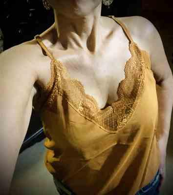 Daina verified customer review of Stay With Me Lace Cami - Burnt Orange