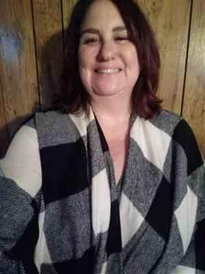 Jodi Braun verified customer review of Date in the Mountains Buffalo Plaid Poncho - Ivory & Black