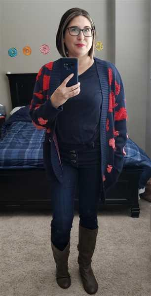 Andrea Tavarez  verified customer review of Love Can Wait Cardigan - Navy