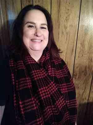 Jodi B verified customer review of Winter in the City Blanket Scarf - Red & Black