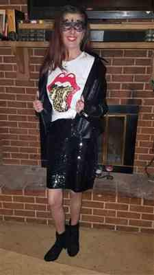Robin B. verified customer review of Watch Her Shine Sequin Skirt - Black