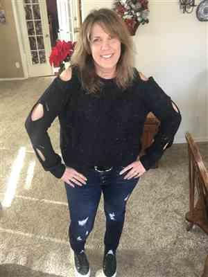 Melissa Wittkopf verified customer review of Now I See Sweater - Black