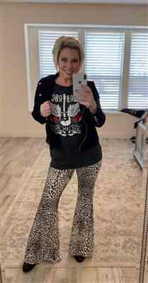 Stacy Schiefer verified customer review of Feisty Flare Pants - Leopard