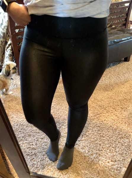 Stephanie Pendergraft verified customer review of Thanx Me Later Foil Leggings - Black