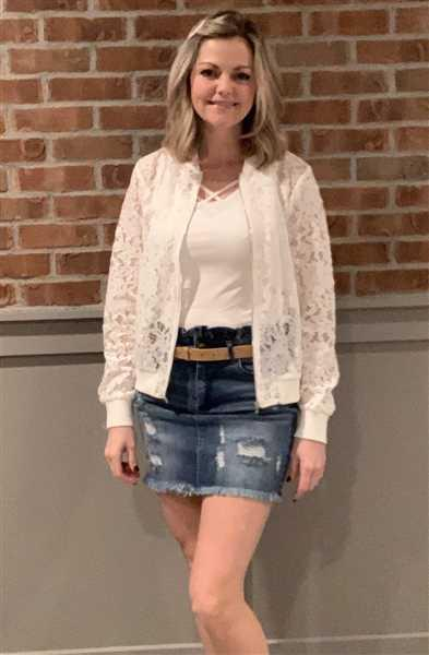 Katie Vollmer verified customer review of Chic Statement Lace Bomber Jacket - White