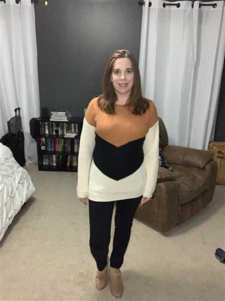 Kaety Hill verified customer review of Adventure Is Waiting Color Block Sweater - Rust & Ivory