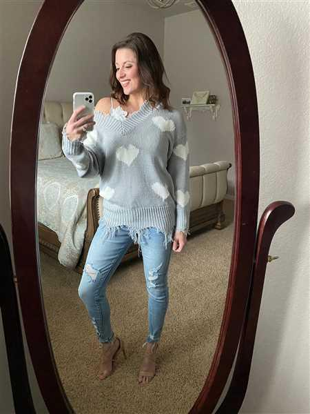 Lindsey Copeland verified customer review of Love Lockdown Heart Sweater - Grey