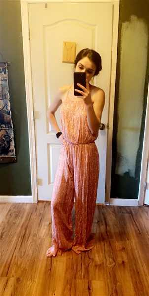 Closet Candy Boutique EVERLY Flirting with Summer Jumpsuit - Dusty Rose Review