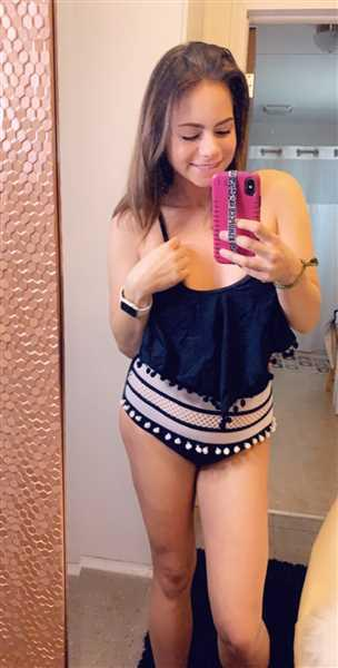 Sara Holmes verified customer review of Sunshine State Pom Bikini - Black