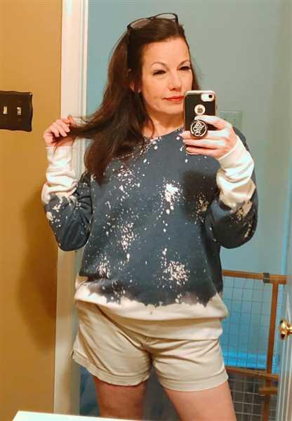 Closet Candy Boutique Sunset Stroll Bleached Sweatshirt - Navy Review