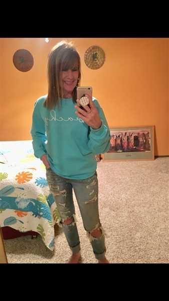 Laurie White verified customer review of Beachy Sweatshirt - Aqua