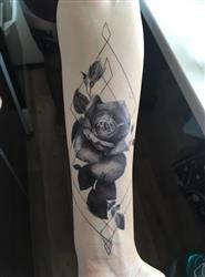 Laurence H. verified customer review of Graphic Rose