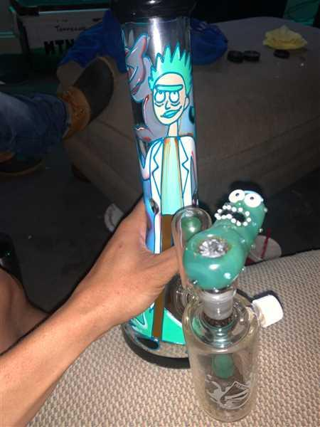 CaliConnected Rick & Morty Rickle Pick Bowl Piece Review