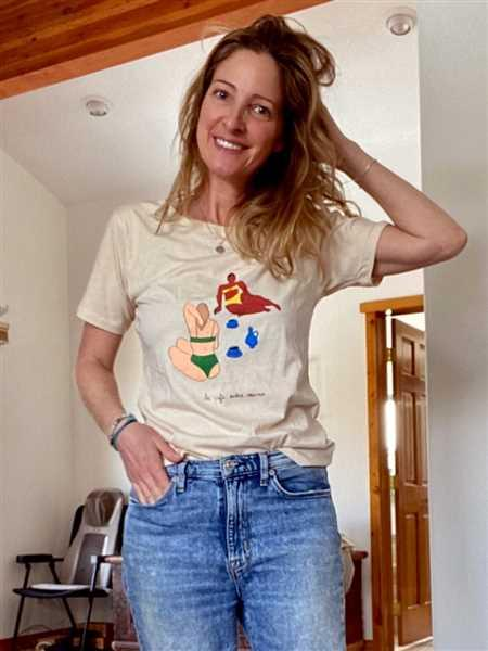 josee dupont verified customer review of Café entre copines Tee by Isabelle Feliu