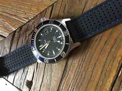Patrick verified customer review of Black Perforated Silicone Watch Strap with Dark Grey Stitching