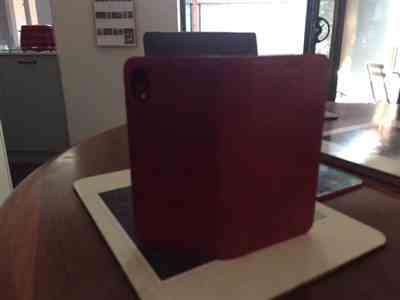 Richard Thomas verified customer review of Leather wallet magnet close 3 card slots iPhone case