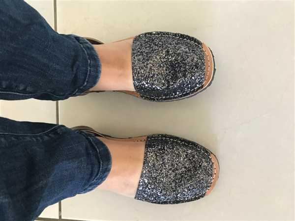 Gloriasandals Gray Glitter-Gunmetal Review