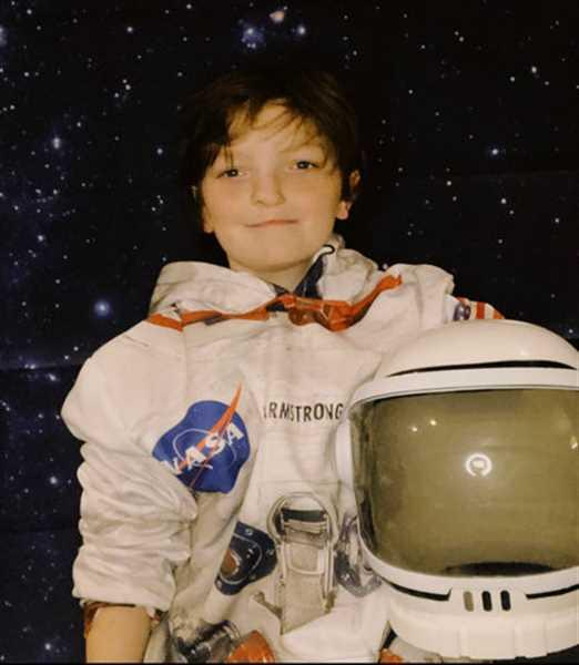 Clare M. verified customer review of Gearhuman [50th Anniversary] 3D Armstrong Spacesuit Apparel