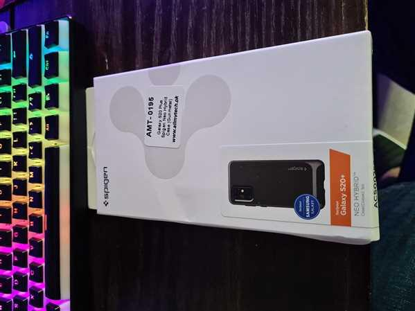 Usaid Adnan verified customer review of Galaxy S20 Plus Neo Hybrid by Spigen ACS00759 - Gunmetal