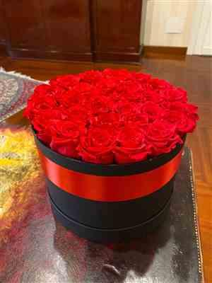 Carolina M. verified customer review of Premium - Red Eternity Roses - Black Box