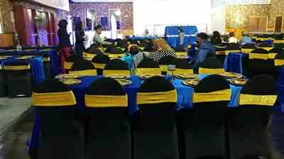 Medge-Lee N. verified customer review of 90x156 Royal Blue Satin Rectangular Tablecloth