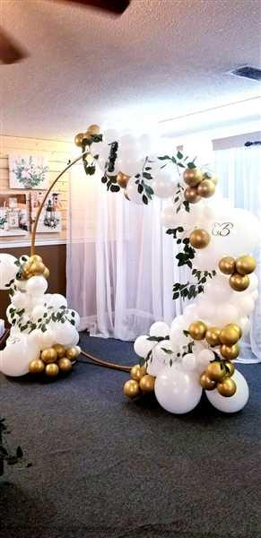 Tiffany Brooks verified customer review of 7 FT Tall - Gold Round Metal Wedding Arch, Photo Booth Backdrop Stand