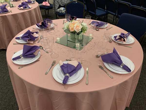 Silvia Herszkopf verified customer review of 120 Dusty Rose Polyester Round Tablecloth