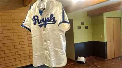 Ebbets Field Flannels Montreal Royals 1946 Authentic Special Satin Jersey Review