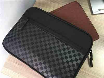 Chobe Chobe CC60571 verified customer review of Black Checker Microsoft Surface Go Sleeve