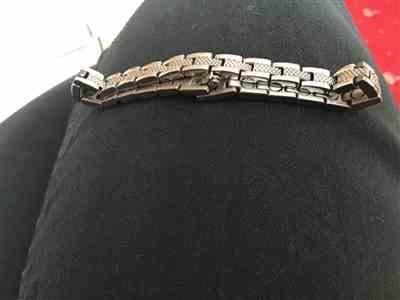 Sue D. verified customer review of Sparkly Slimline Silver Titancore Titanium Magnetic Bracelet