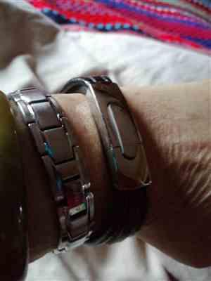 Rachel Brown verified customer review of Black & Red Ion Core Bracelet