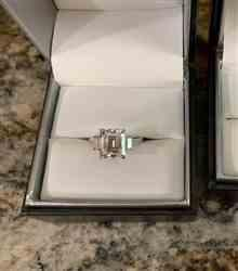 Kobelli 5 1/2 Carat TW 3-Stone Emerald Moissanite Engagement Ring Review