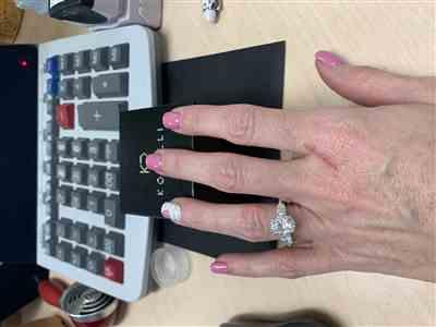 Erin  verified customer review of 3 Stone Trellis Oval & Pear Ring
