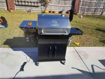 Juan Torres verified customer review of NEW ARRIVAL ZPG-1000E 8 IN 1 WOOD PELLET GRILL & SMOKER
