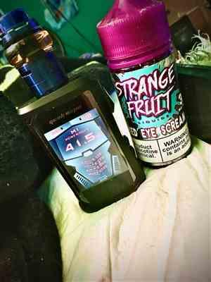 Ricky Baldwin verified customer review of Strange Fruit Liquids - Fried Eye Scream - 100ml