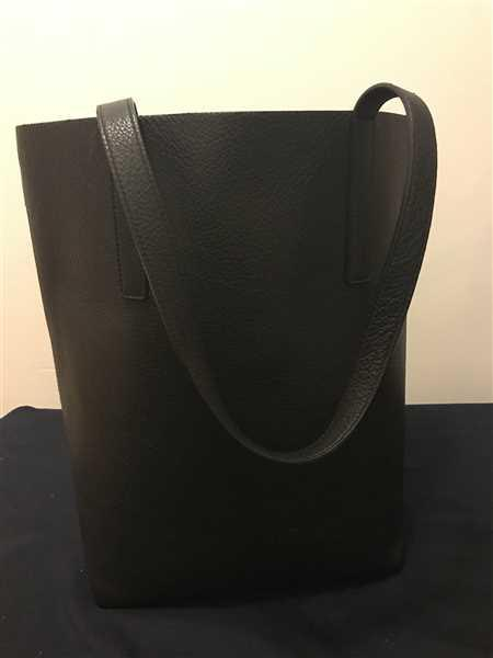Saada verified customer review of Tall Italian Leather Tote
